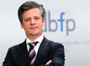 dbfp thomas osthoff fuggerbank berater frankfurt Foto